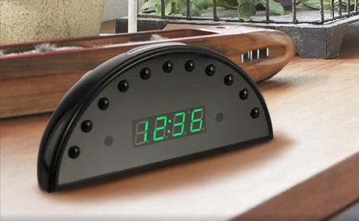 置時計型隠しカメラ設置